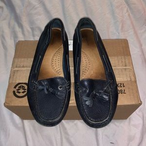Navy GH Bass loafers